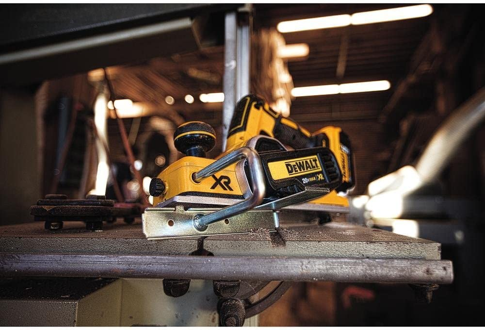 DEWALT DCP580B Electric Hand Planers product image 9