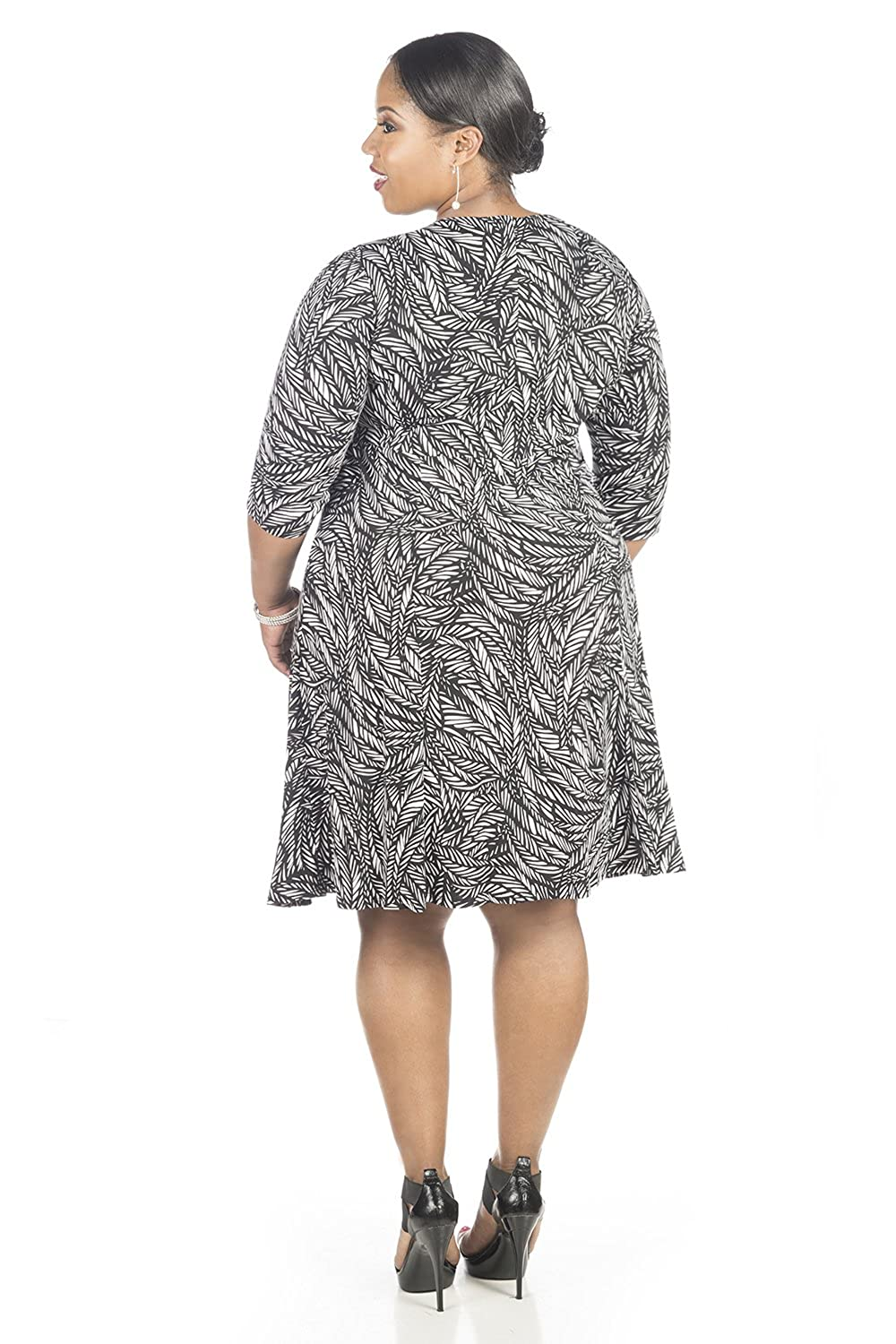 3d353a9c1a3 Amazon.com  Glamour Womens Plus Size Elbow Sleeve Fit and Flare Dress (14W
