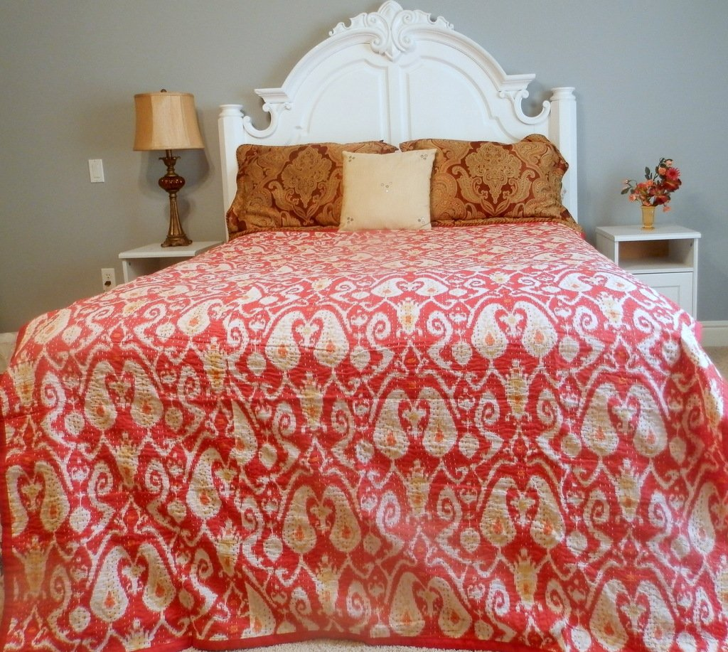 Bright Quilt Comforters Ikat College Bedding Coverlet(Red, Full/Queen)
