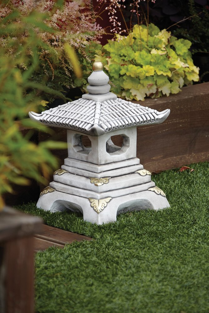 Exceptionnel Chinese Garden Ornaments   One Tier Japanese Pagoda Lantern: Amazon.co.uk:  Garden U0026 Outdoors