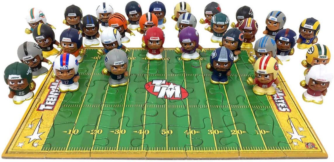 Featuring Metallic Gold Highlights 32 Exclusive Figures Teenymates NFL Gold Box Superstar Collector Set