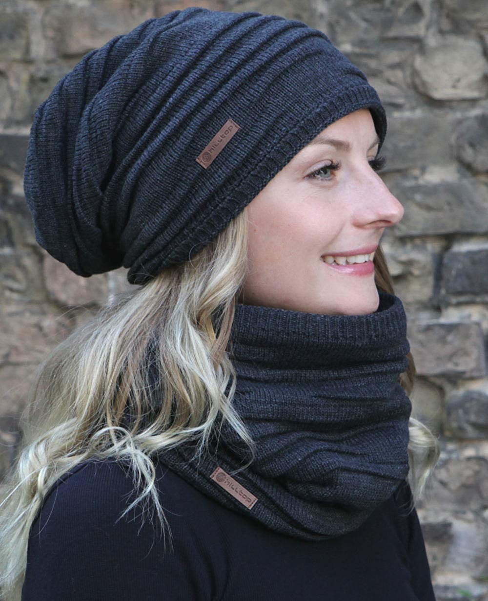 set invernale composto da sciarpa e berretto in maglia coordinato//beanie con pompon//in diversi colori Hilltop