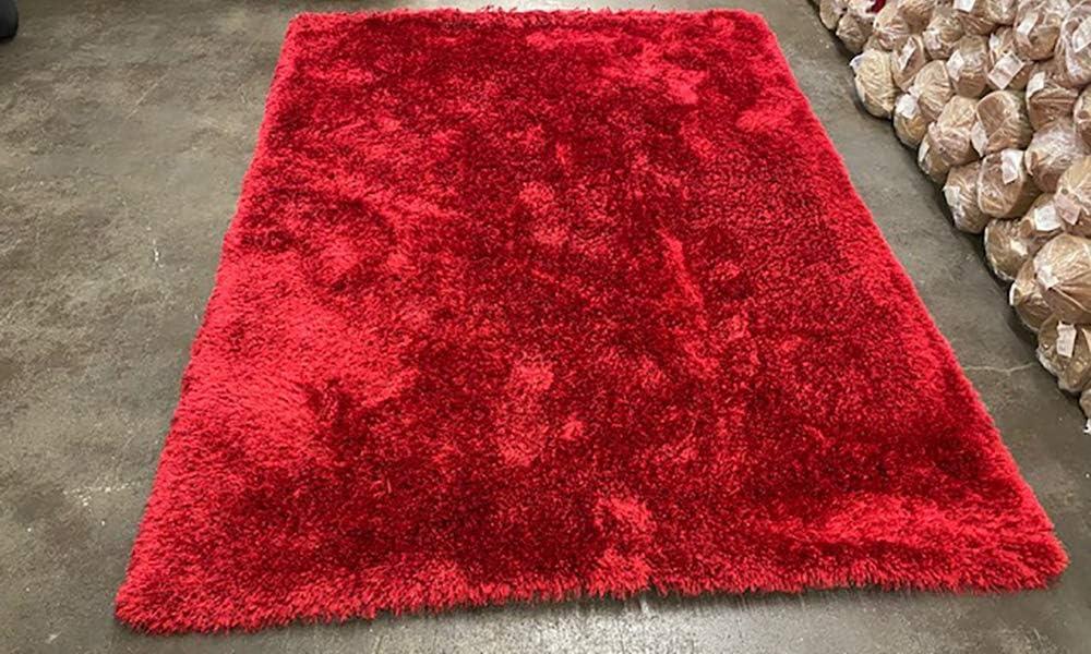 Carpet shaggy pile long red colour unique