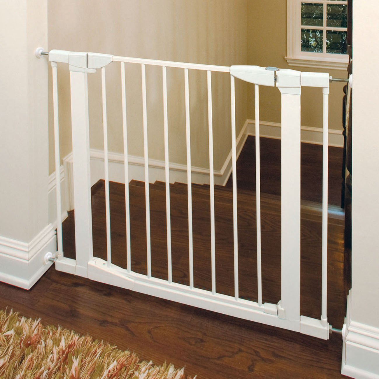 & Amazon.com : Munchkin Auto Close Metal Baby Gate White : Baby