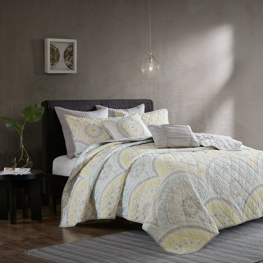 Urban Habitat Matti Full/Queen Quilt Bedding Set - Pale Aqua, Yellow, Medallion – 7 Piece Teen Girl Boy Bedding Quilt Coverlets – 100% Cotton Percale Bed Quilts Quilted Coverlet UH13-0033