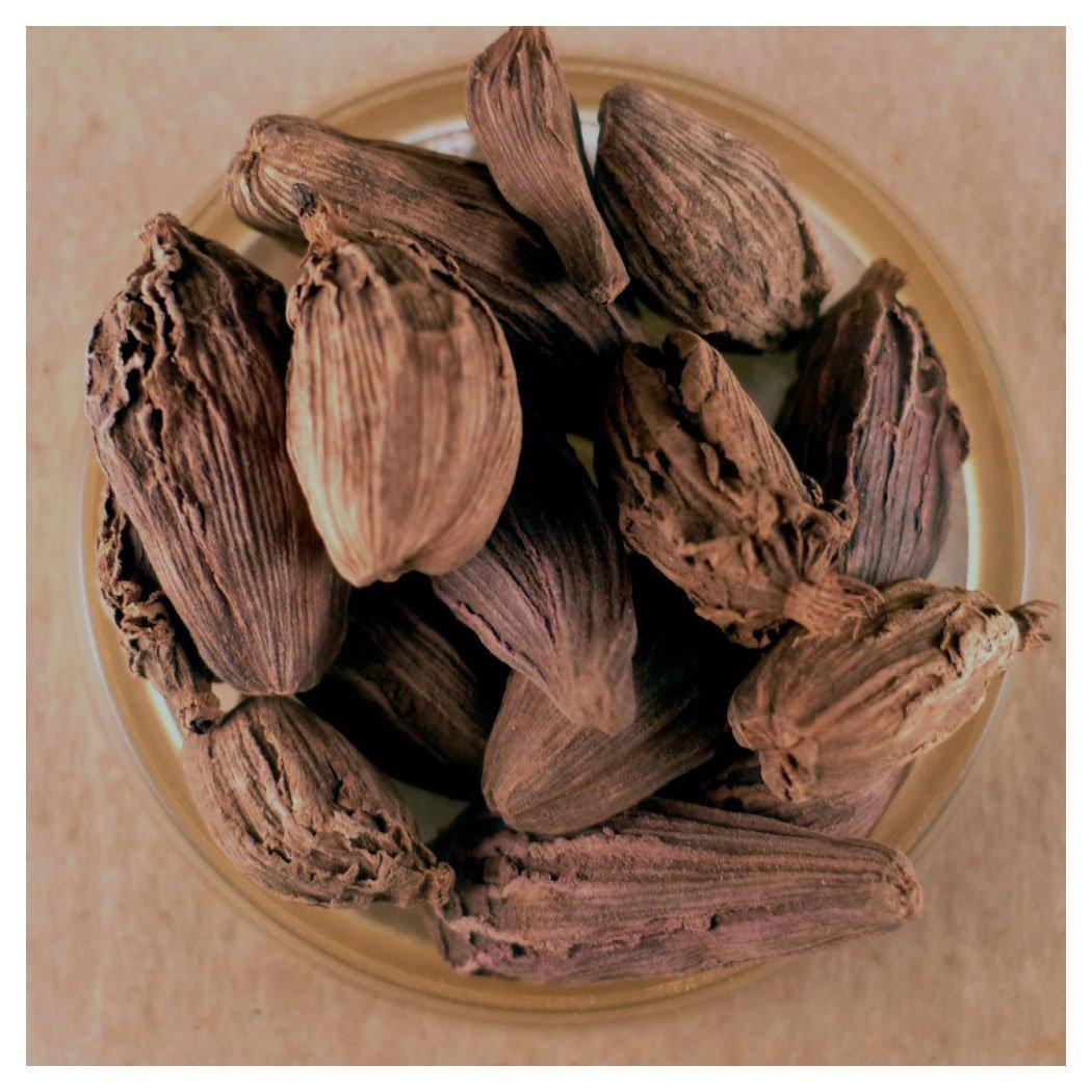 Cardamom, Whole Black Pods (4 oz)