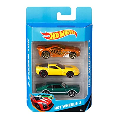 Hot Wheels K5904 Hot Wheels Basic Car Assortment 3 Pack: Toys & Games
