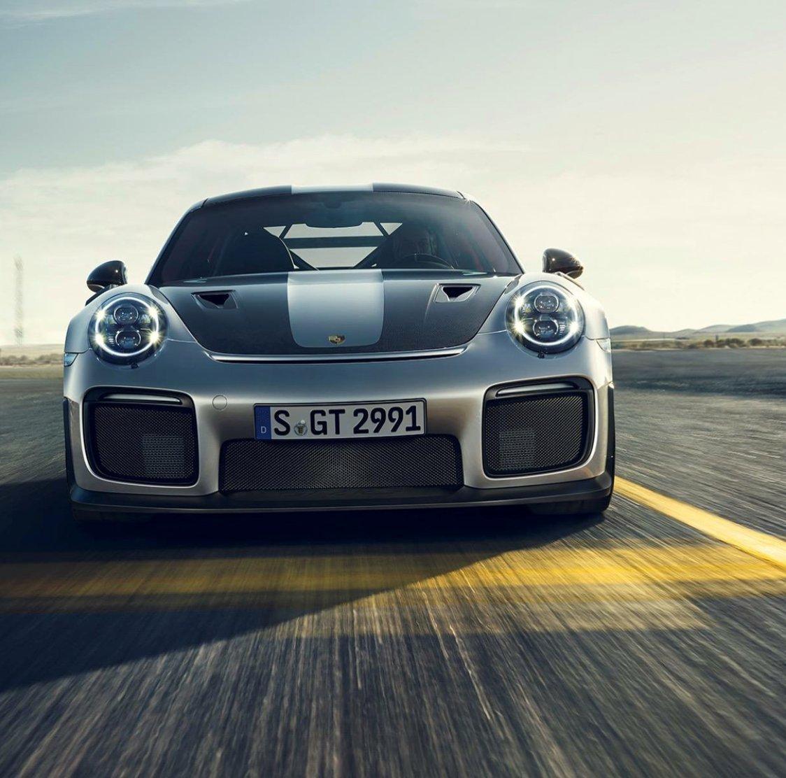 Amazon.com: Porsche 991 GT2RS Carbon Fiber Hood for 991 Application: Automotive