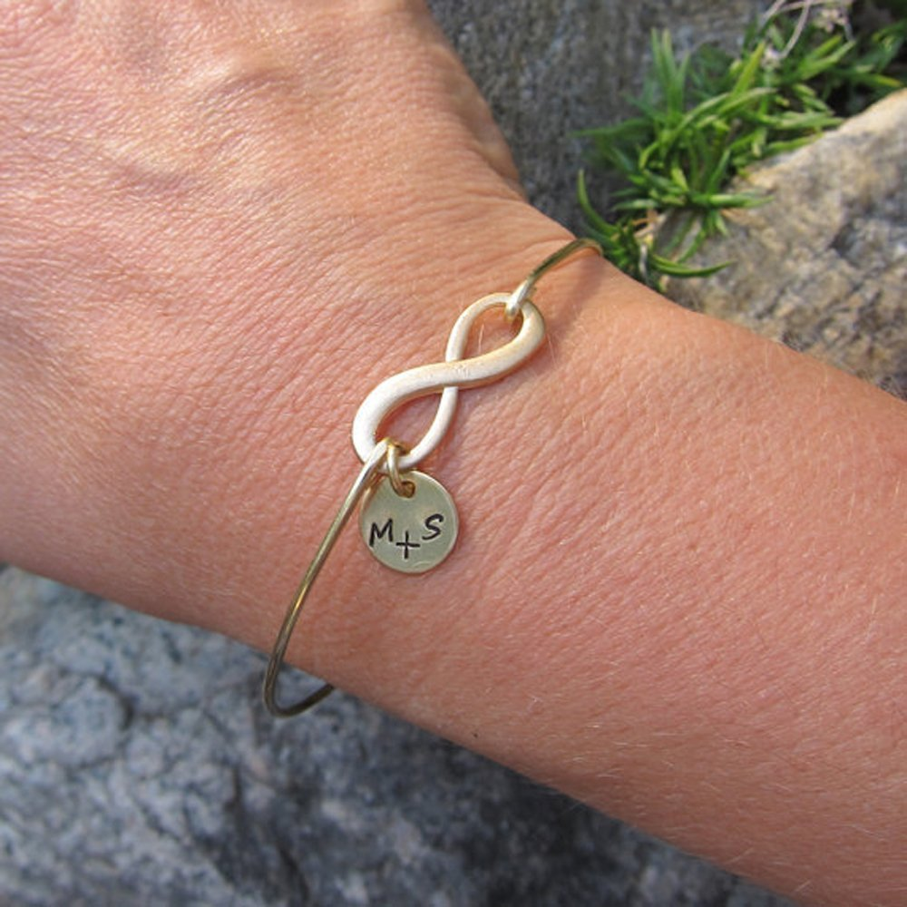 Eternity Loop Family Tree Jewelry Personalized Gold or Silver Infinity Bangle Infinity Bracelet Kids Initials Birthday Gift for Mom