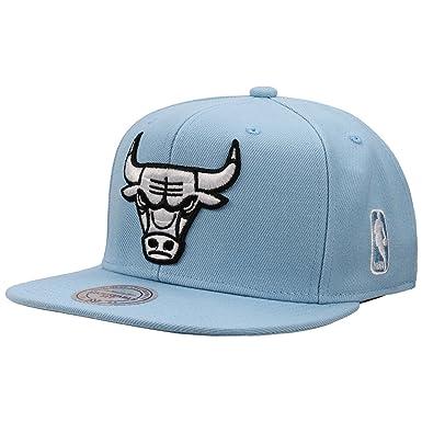 Mitchell   Ness Men Caps Snapback Cap Rainbow NBA Chicago Bulls Blue  Adjustable f347d4ebf0b7