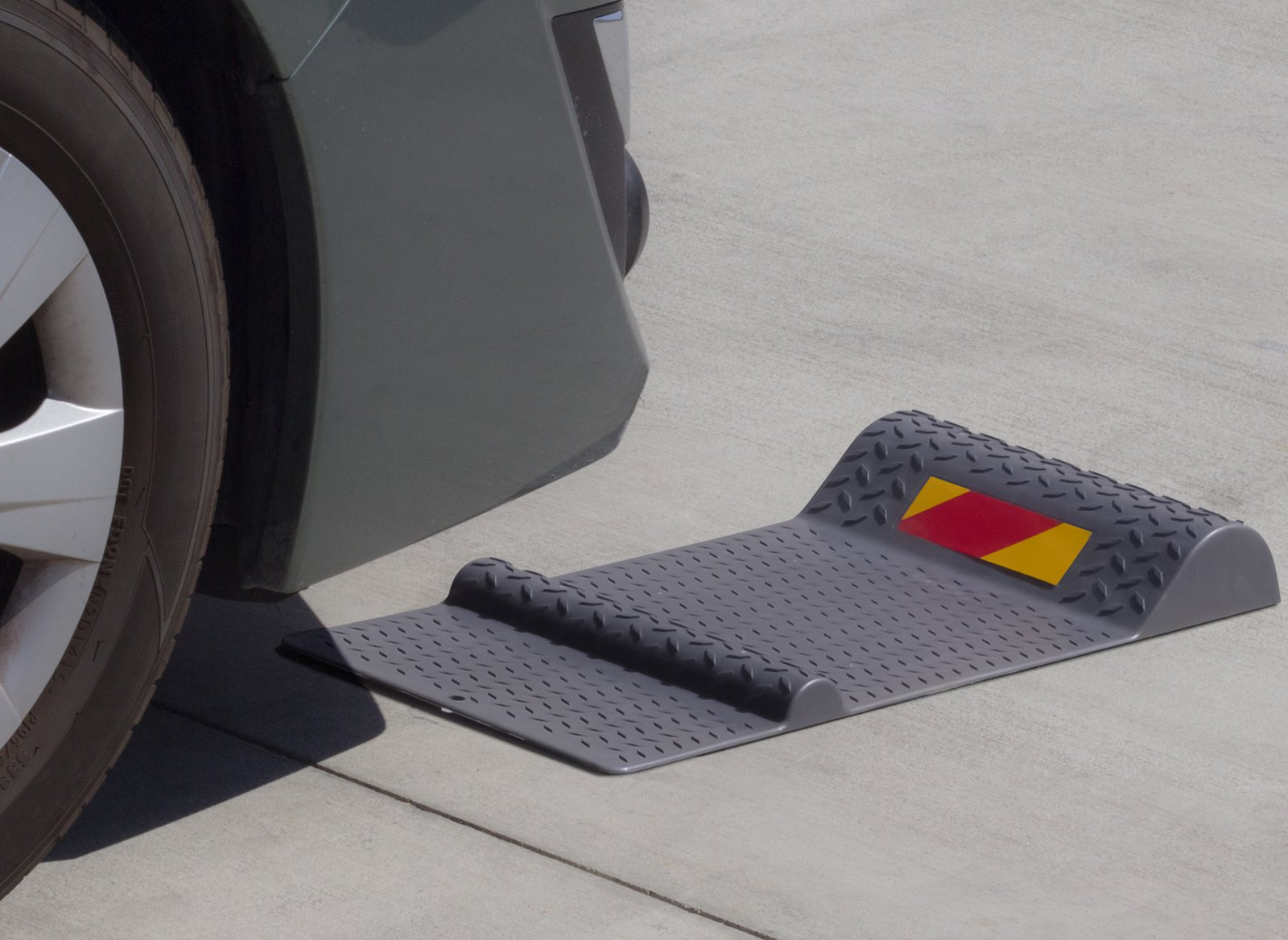 Parking Assistant for Garage Assist - Park Aid Floor Mats Car Accessories Best for Flooring Mat Sensor Stop Indicator - Stopper Liner Distance Parallel Guardian Stand Aids Cars Guide Stops Vehicles by OxGord (Image #3)