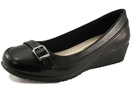Pierre Dumas womens black low wedge heel front buckle design casual dress shoes