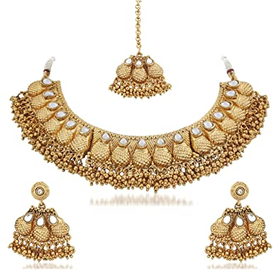 5926fad19d Buy Apara Gold Plated Kundan Necklace Set with Maang Tikka for Women Online  at Low Prices in India | Amazon Jewellery Store - Amazon.in