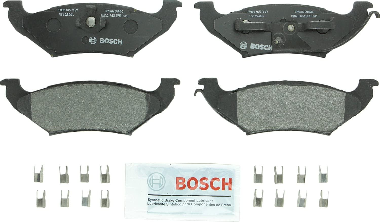 Bosch Bp544 Quietcast Premium Semi Metallic Disc Brake Pad Set For 1992 1995 Ford Crown Victoria 1990 1995 Lincoln Town Car 1992 1995 Mercury Grand Marquis Rear Automotive Amazon Com