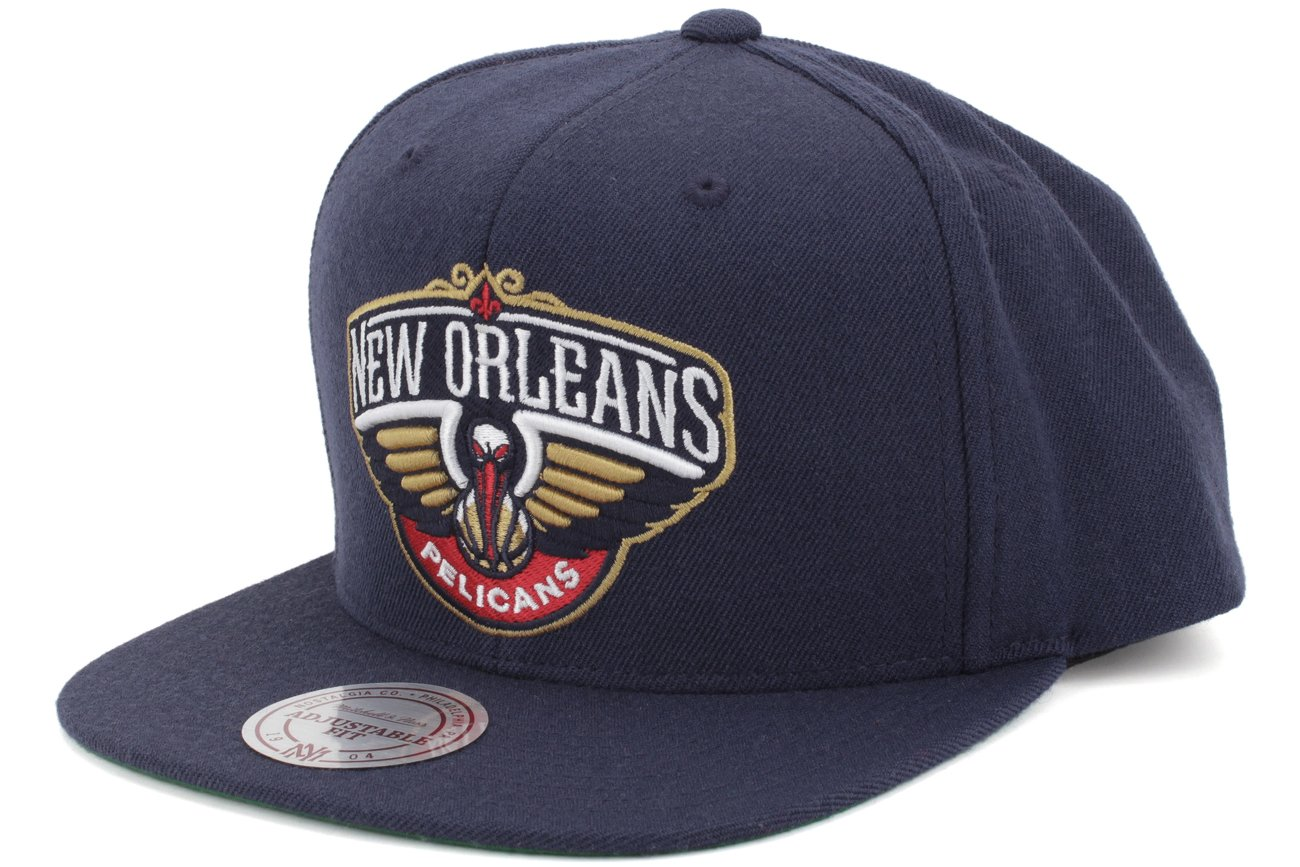 buy popular 774d2 e612c Amazon.com   New Orleans Pelicans Authentic Mitchell Ness Snapback Hat    Sports   Outdoors