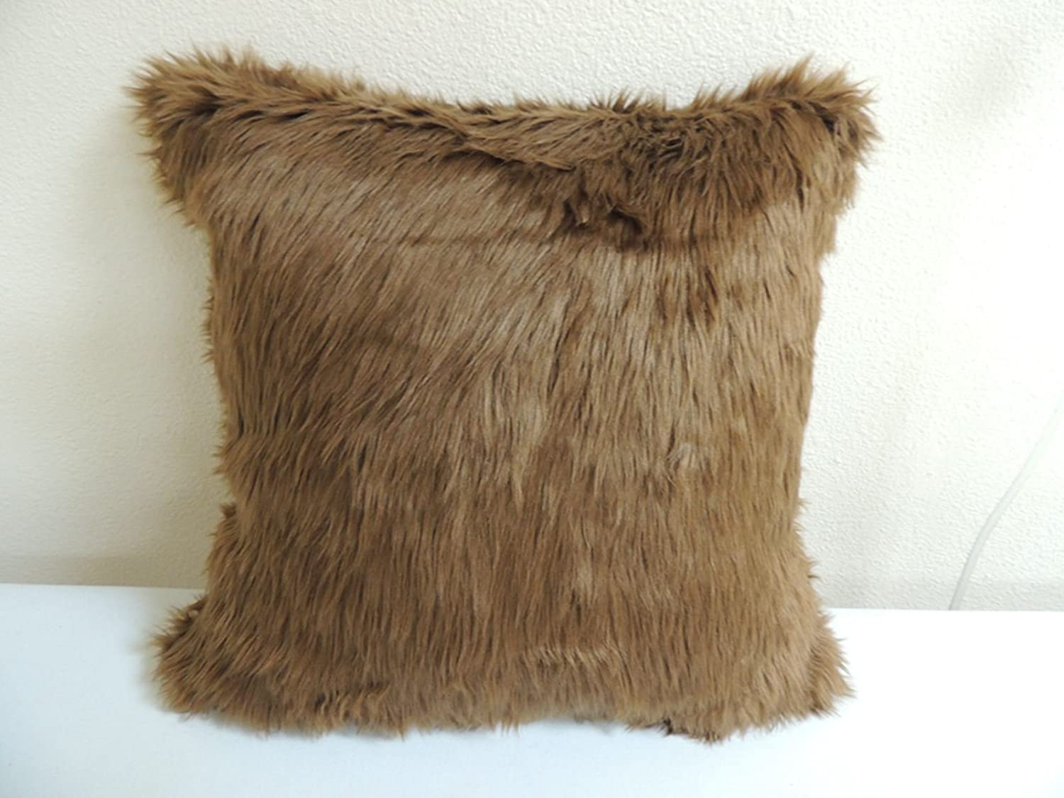 Set of 2 Faux Fur Pillow Cover Arctic Wolf 18 x 18 in