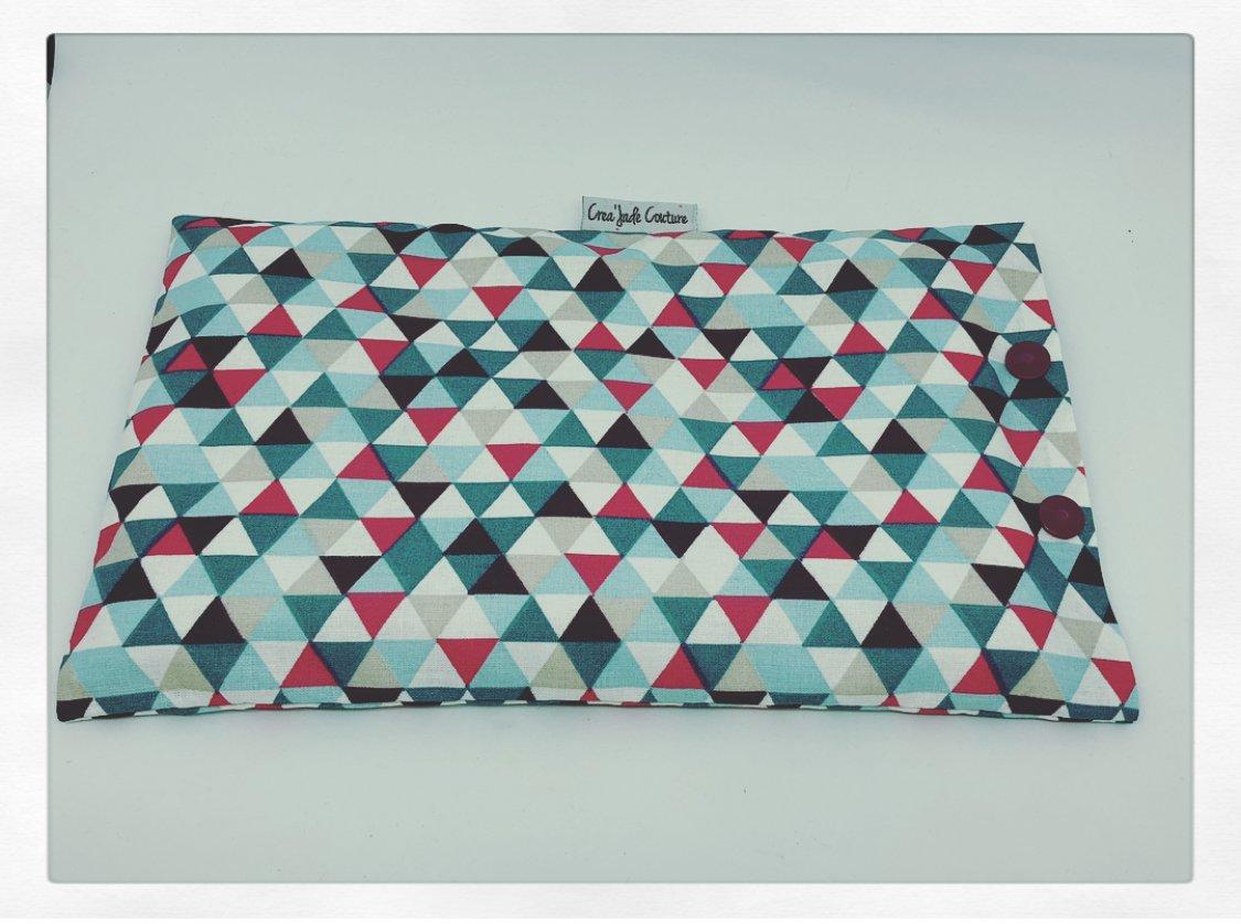 Bouillotte sèche bio déhoussable motif triangles à chauffer ou refroidir