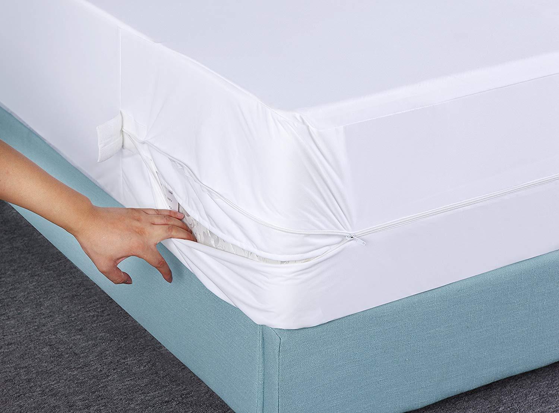 Utopia Bedding Funda de colchón Impermeable con Cremallera - Altura del colchón 25-35 cm - Protección contra líquidos, Insectos y ácaros del Polvo (135 x ...