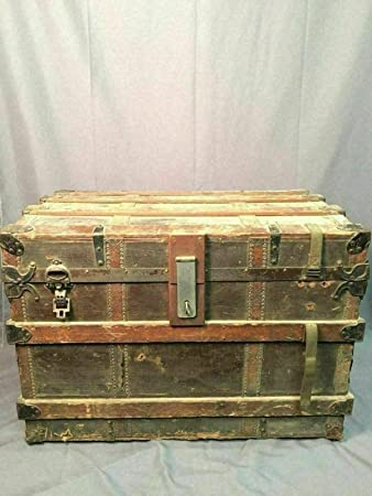 Amazon Com Phoenix Finds Treasures Clinton Wall Trunk Antique Steamer Chest Coffee Table Made In Usa Furniture Decor
