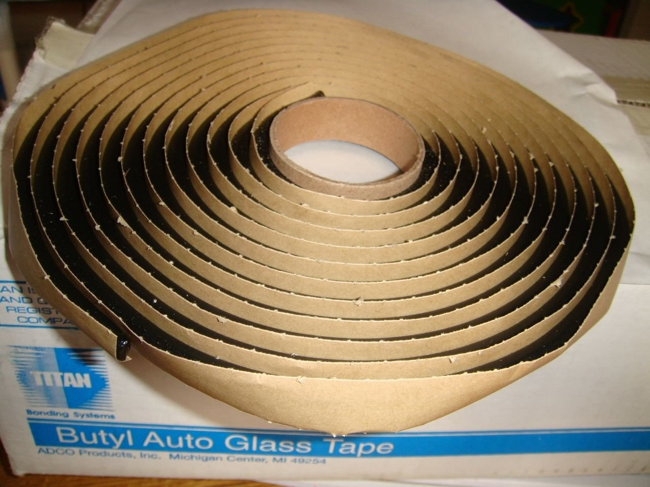Auto Glass Sealant/Adhesive/Butyl Tape 15' Roll Soft Seal 5/16''