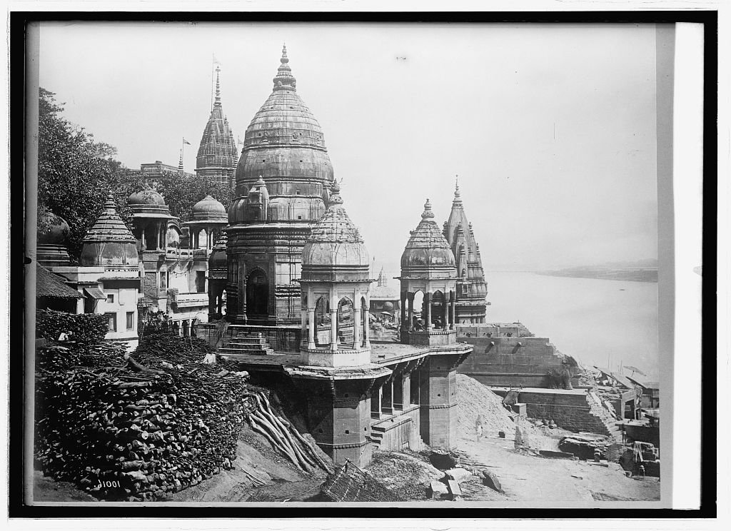 Vintography 16 x 20 Reprinted Old Photo ofAsia. India, Calcutta burning Ghat 1914 National Photo Co 85a