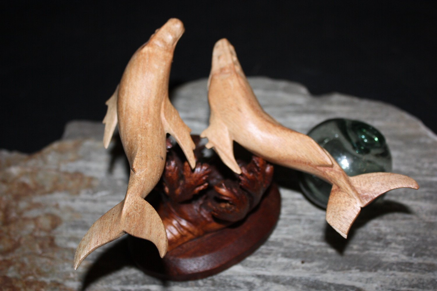 TikiMaster Swimming Humpback Whales w/Driftwood Base 6'' X 7'' - Carved | #non01 by TikiMaster (Image #3)