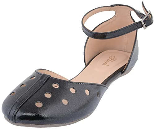 1f3ee8000661 Flora Women s Faux Fur Sandal  Buy Online at Low Prices in India ...