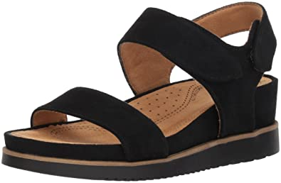 1ba4f09ba9f Image Unavailable. Image not available for. Color  NATURAL SOUL Women s  Kaila Flat Sandal