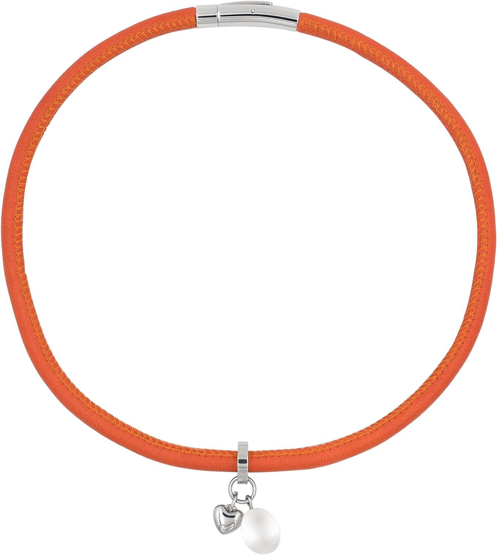 Secret & You Collar o Pulsera de Perla Cultivada de Agua Dulce de 9 a 9,5 mm Cuero Naranja Vespa - Cierre y corazón de Acero - con Cierre Simple es un Collar y Dando Dos Vueltas es una Pulsera.