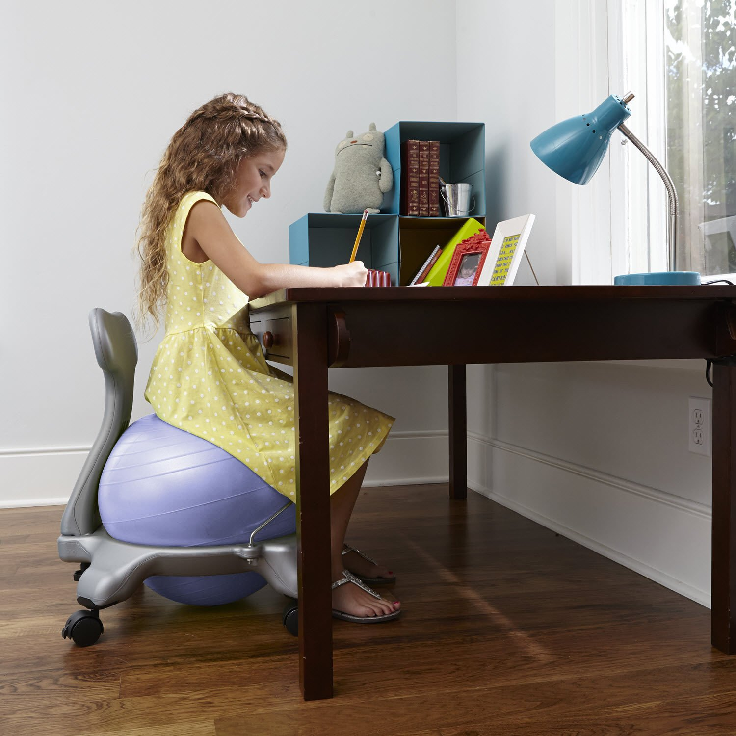Gaiam Kids Balance Ball Chair - Classic Children's Stability Ball Chair, Alternative School Classroom Flexible Desk Seating for Active Students with Satisfaction Guarantee, Green by Gaiam (Image #4)