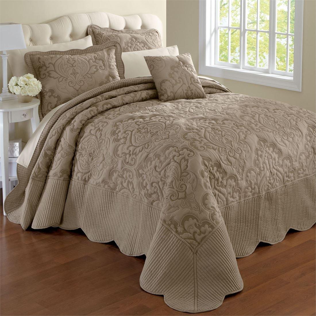 BrylaneHome Amelia Bedspread (Taupe,King)