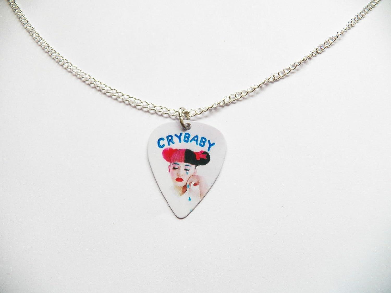Melanie Martinez púa de guitarra púa plata tono Curb cadena collar ...