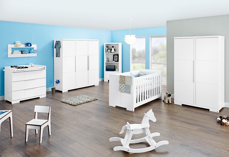 Pinolino Kinderzimmer Polar breit groß, 3-teilig, Kinderbett (140 x 70 cm), breite Wickelkommode mit Wickelaufsatz und großem Kleiderschrank, weiß Edelmatt  (Art.-Nr. 10 34 21 BG)