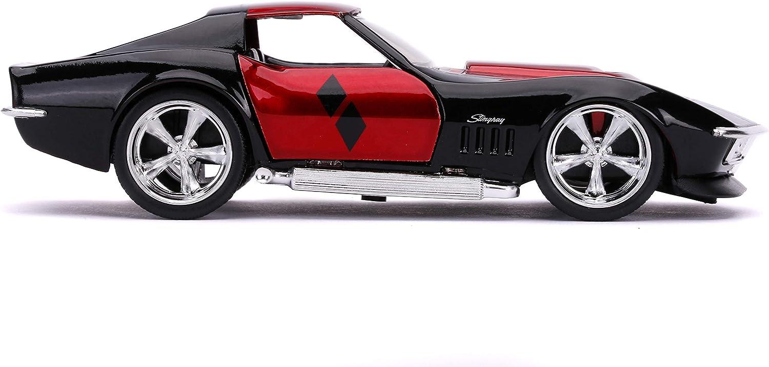 Jada Toys Harley Quinn 1969 Corvette Stingray-Coche de Juguete de Die-Cast, Puertas Abiertas, Escala 1:32, Rojo/Negro Brillante (253252015)