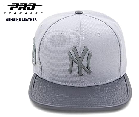 5d8dad644ab24 Amazon.com   PRO-STANDARD NY YANKEES OFFICIAL MLB FASHION GREY-OUT ...
