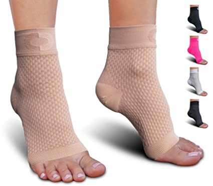 3a344de8e2a Plantar Fasciitis Sock with Arch Support for Men   Women - Best Ankle Compression  Socks for
