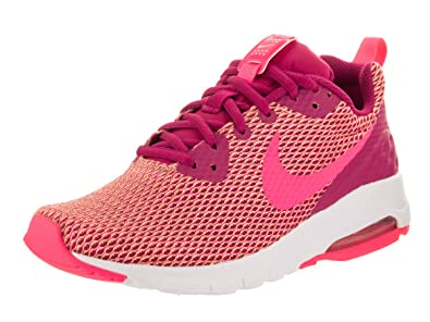 NIKE Women's Air Max Motion LW SE Sport FuchsiaRacer PinkWhite Running Shoe 7.5 Women US