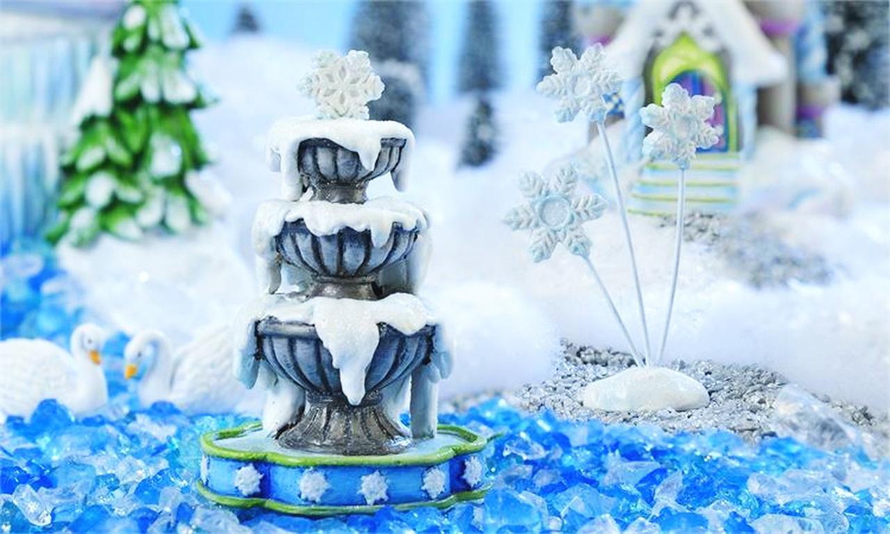My Fairy Gardens Christmas Miniature - Snow Fairies Fountain And Snowflakes -.