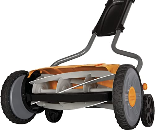 Fiskars 17 Inch StaySharp Plus Reel Mower 6207