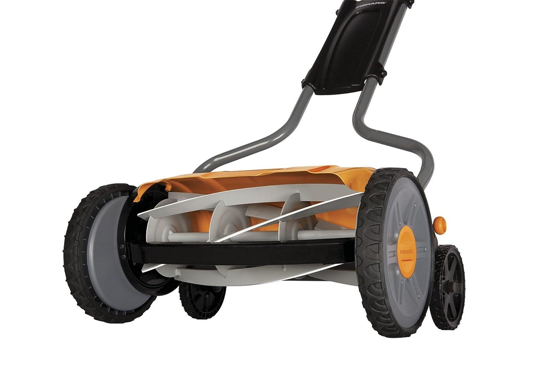 Amazon.com: Fiskars StaySharp Max Reel Mower: Jardín y ...