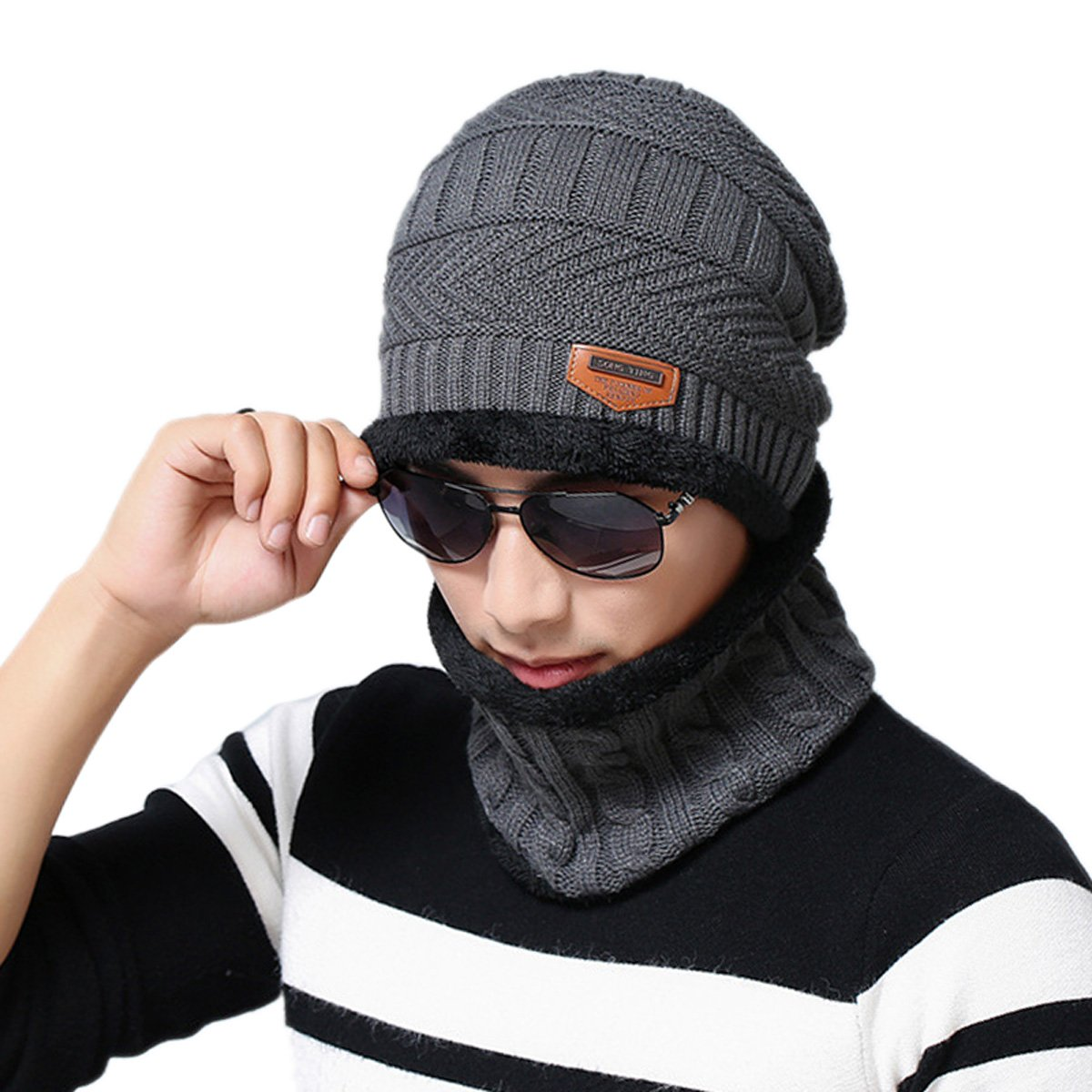ABLE Warm Knitted Hat and Circle Scarf Outdoor Skiing Hat Unisex)