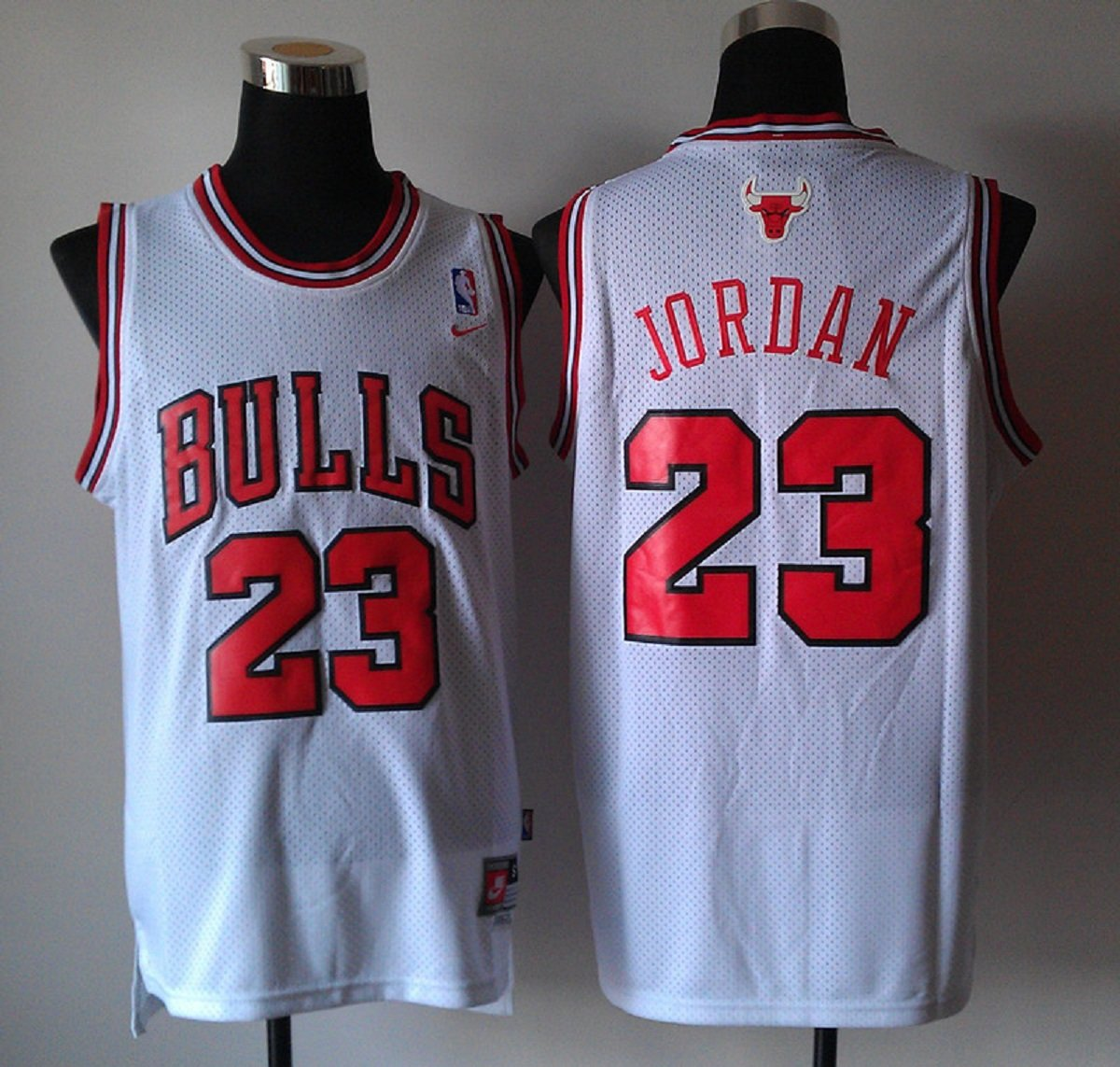 best service 951b0 4899a Amazon.com : Nike Chicago Bulls, Michael Jordan Jersey White ...