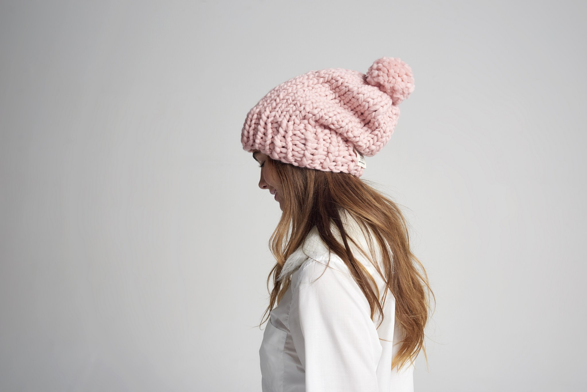 Loopy Mango DIY Kit - Slouchy Pompom Beanie (Bordeaux) by Loopy Mango (Image #4)