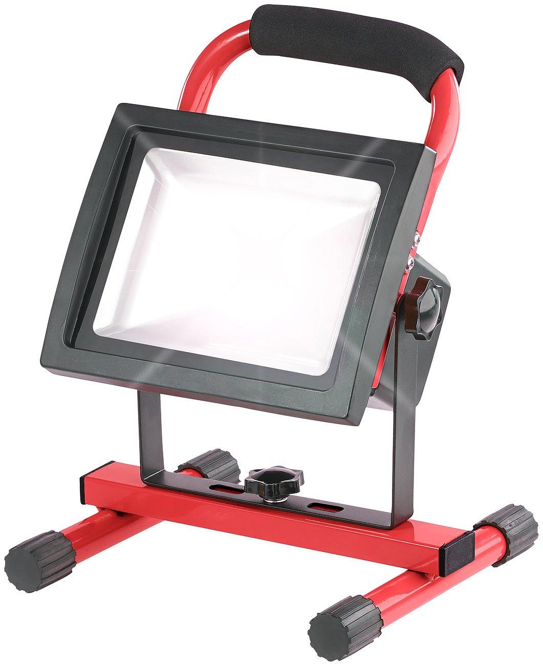 Luminea LED Strahler Akku: Wetterfester LED-Akku-Baustrahler mit Stand-Sockel, 20 W, 720 lm, IP65 (Akku LED Handscheinwerfer)