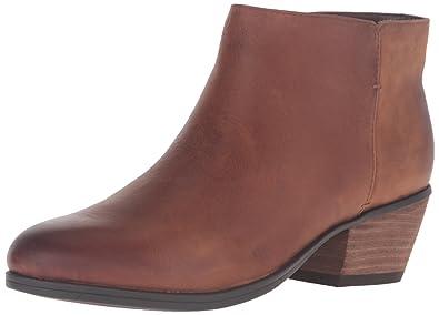 e4917a92497 Amazon.com   Clarks Women's Gelata Italia Black Combi Leather Ankle ...