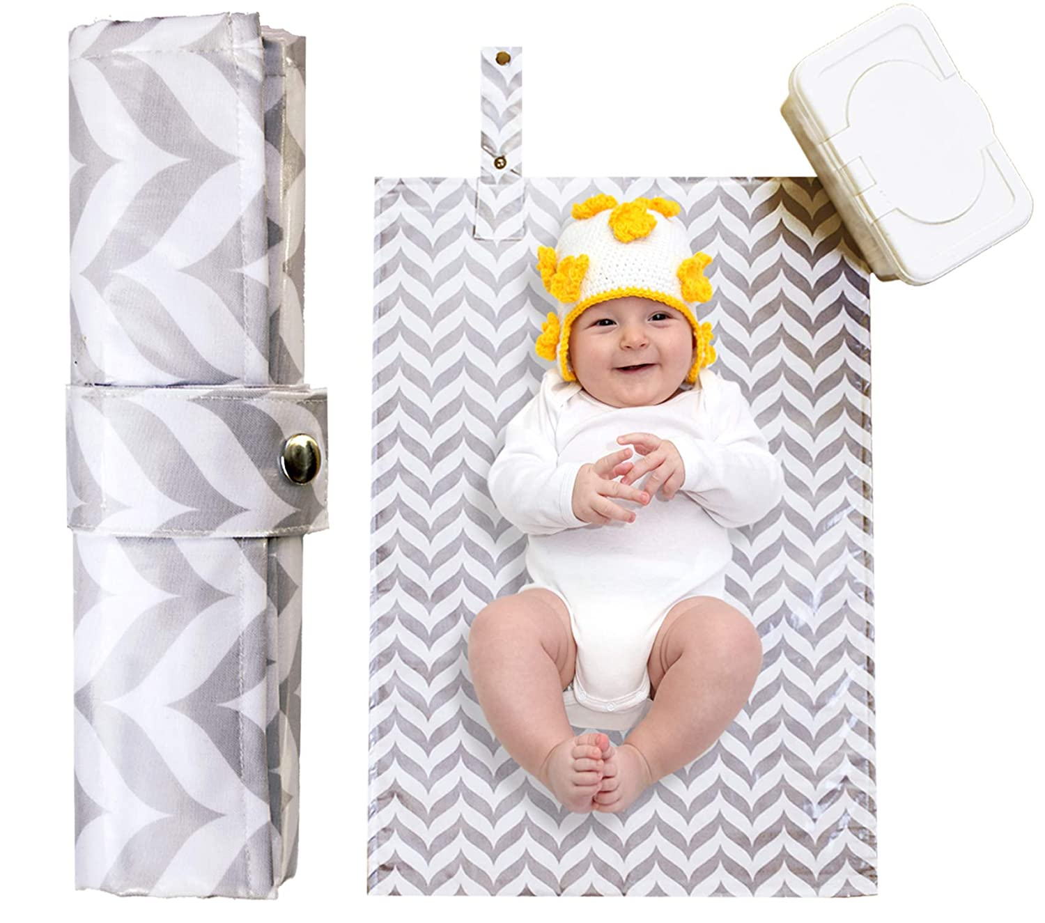 Foldable Travel Changing Mat for Infants Newborns Waterproof Baby Changing Pad Rabbits Face Portable Diaper Bag Mat