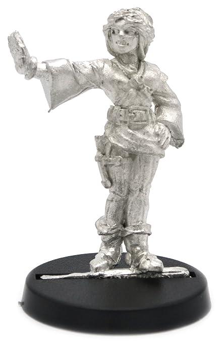 Amazon com: Stonehaven Human Mage Female Miniature Figure (for 28mm