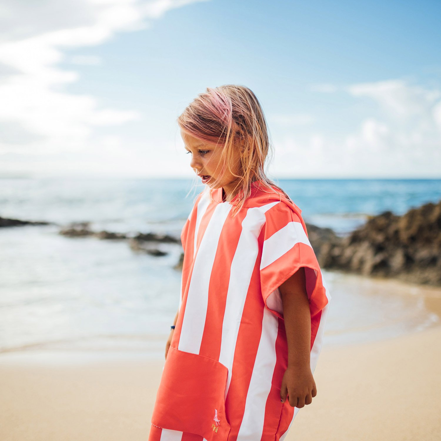- Mini collection Beach /& Pool 28 long packs into its own drawstring beach bag Quick Dry Hooded Towels for Swim Compact /& Lightweight Microfibre Kids Poncho with hood Suits ages 3-7