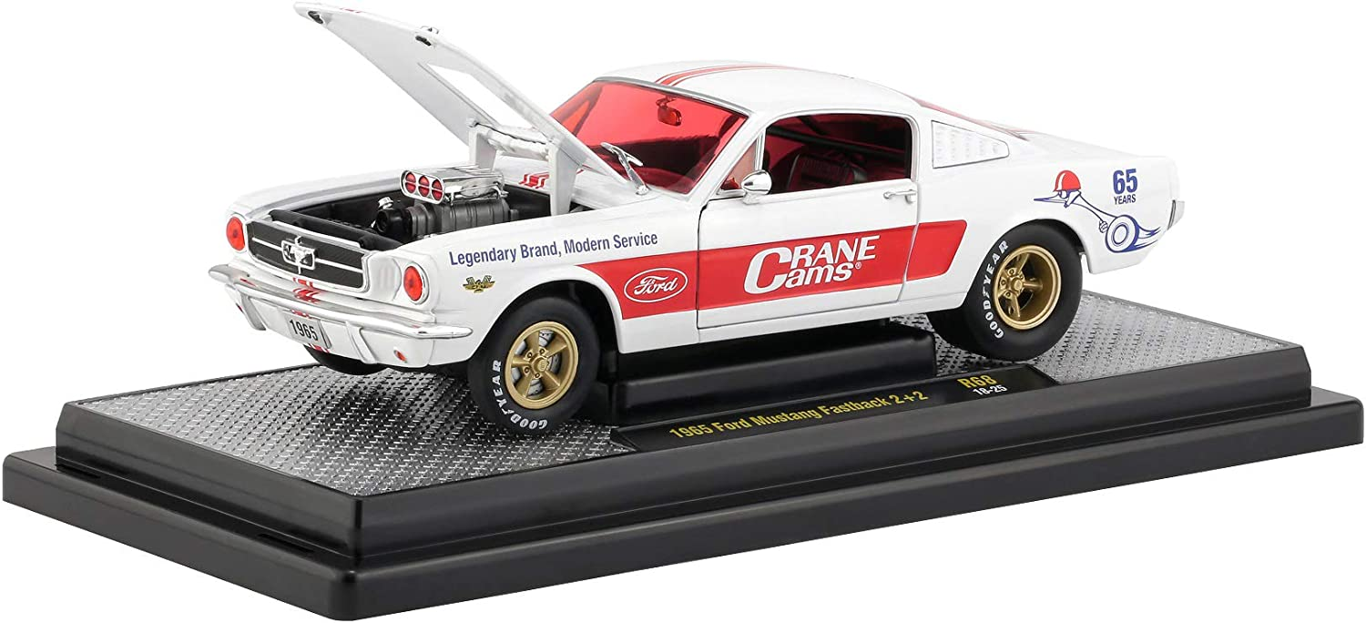 """1965 FORD MUSTANG FASTBACK 2+2 WHITE /""""CRANE CAMS/"""" 1//24 DIECAST CAR M2 40300-68 A"""