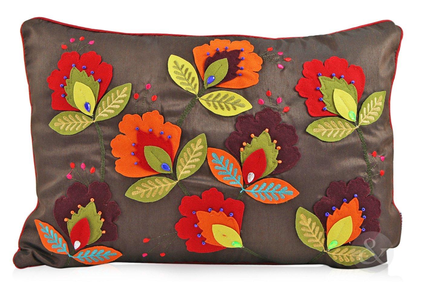 Amazon.com: Fieltro cojines bordado hecho a mano grande y ...